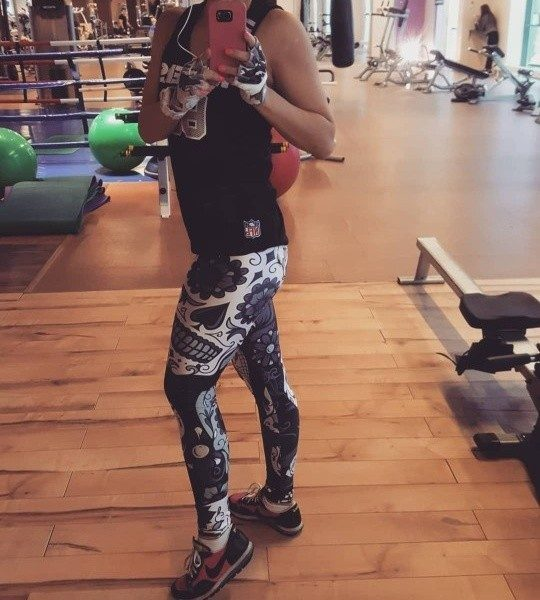 Beuwo Black&White skull leggings photo review